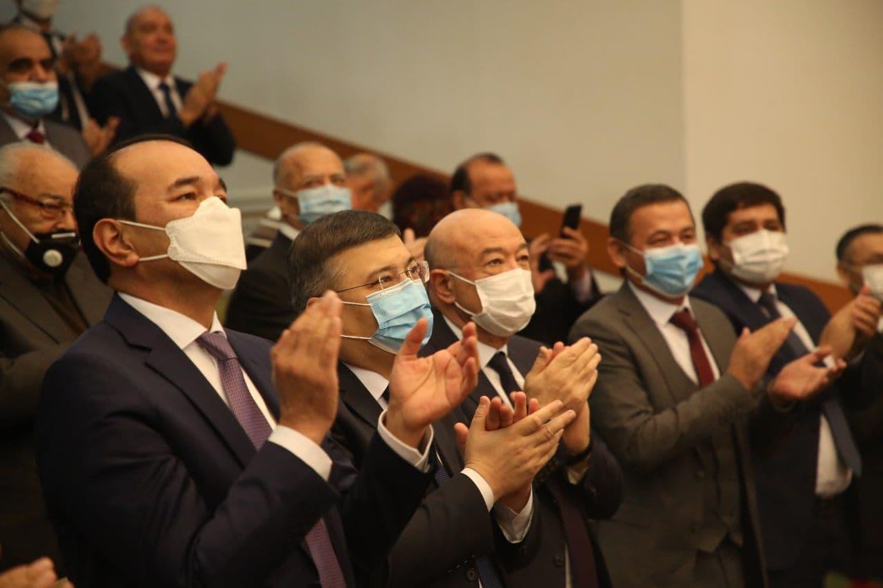 Президент Хайрулла Саъдиевни 80 ёшни қаршилагани муносабати билан мукофотлади